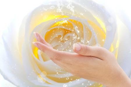lavamanos: La humedad de la piel de las manos