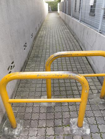 Vehicle closure of the sidewalk