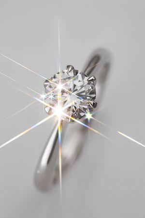 輝くダイヤモンド リング 写真素材