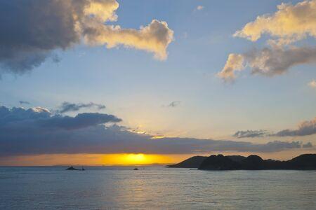 amanecer: Amanecer de Hirado Puerto Foto de archivo
