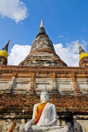 chai: Wat Yai Chai mongkon Buddhas