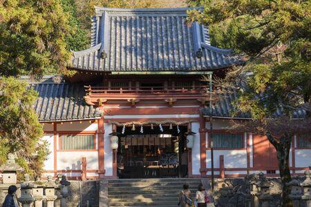 toge: Tower gate of Tamukeyama Hachiman Shrine Editorial