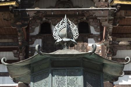 octogonal: linterna octogonal de Todai-ji sala del Gran Buda Editorial