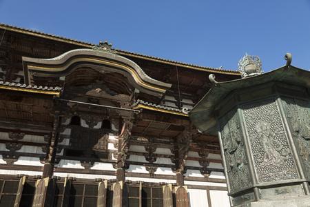 octogonal: Todai-ji Temple Hall of the Great Buddha and the octagonal lantern