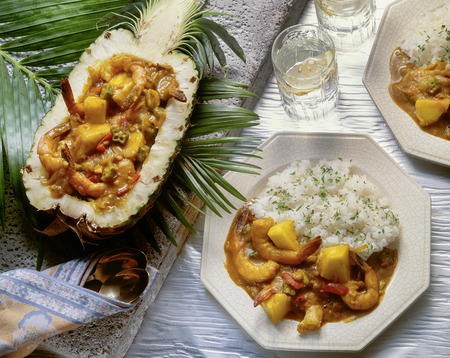 shrimp boat: Pineapple boat of curry