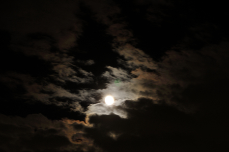gibbous: Moon behind the clouds