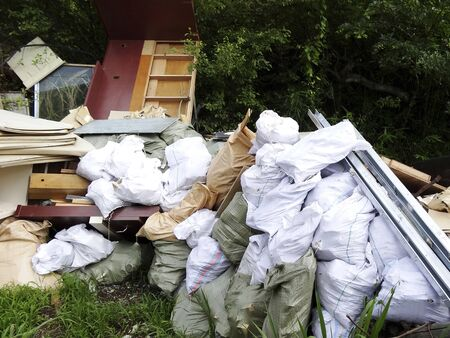 renounce: Illegal dumping of industrial waste