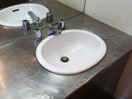 washstand: Wash basin of stainless