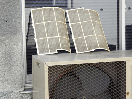 Cleaning of air conditioning filters for home