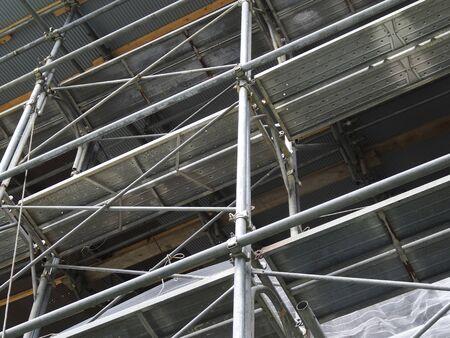 andamio: Construcci�n de andamios de construcci�n de madera Foto de archivo