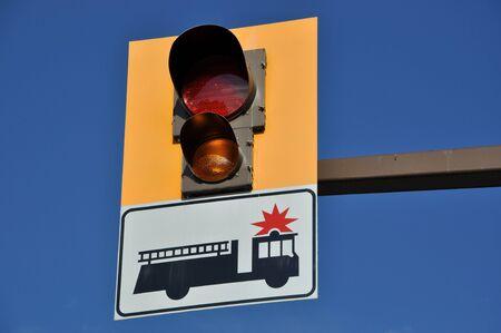Signo de bomberos y de la luz  Foto de archivo - 7697524