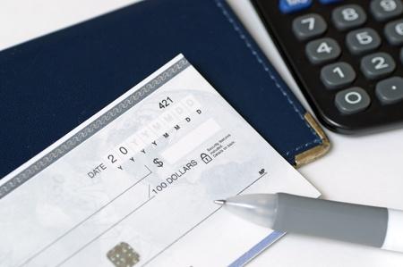 Prepare to write a check Banco de Imagens - 10713177