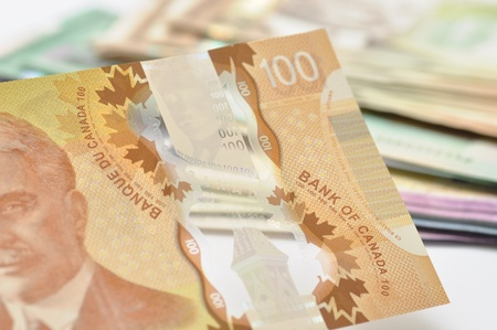 canadian cash: New Canadian plastic 100 dollar
