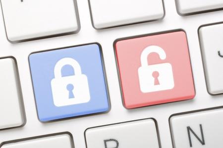lock symbol: Lock and unlock symbol on keyboard  Stock Photo