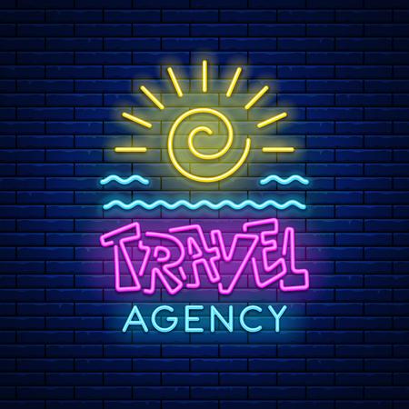 Farbiges leuchtendes Zeichen des Neonlichts Reisebüro mit Sonne und Meereswellen gegen einen Backsteinmauerhintergrund. Vektor-illustration