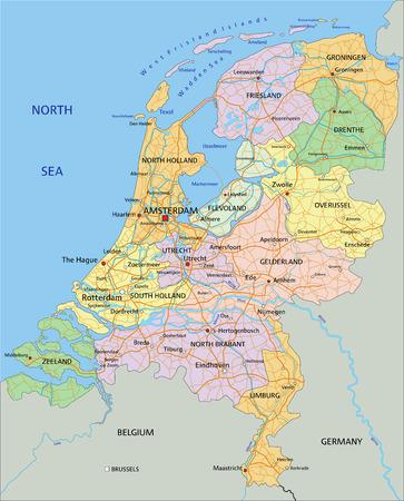 Pays-Bas - Carte politique modifiable très détaillée avec des couches séparées.