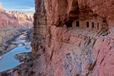 anasazi ruins: The Nankoweap granary is set in an alcove high above the Colorado River.