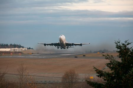 Boeing Dreamlifter Takes Off From Paine Filed, Everett, Washington Reklamní fotografie - 6146468