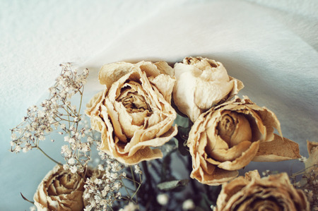 Dead White Roses. Relationship died, Divorce.