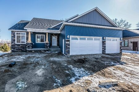 Wonderful new 6 bedroom home with blue siding
