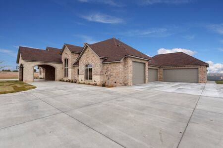 6400 square foot luxury home with drive through drop off area