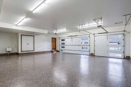 Awesome and huge garage with brand new everything Banque d'images