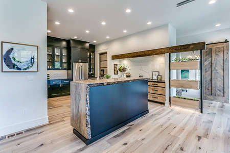 Modern appliances and amenities in newly built kitchen and home 写真素材 - 150726104