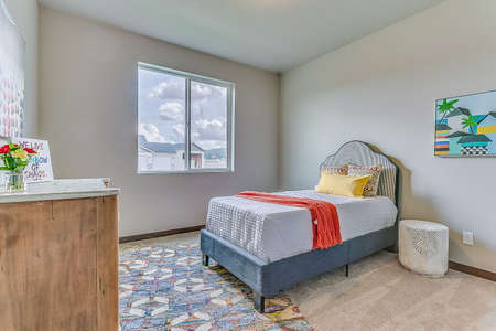 Making your bed is easy in this child bedroom