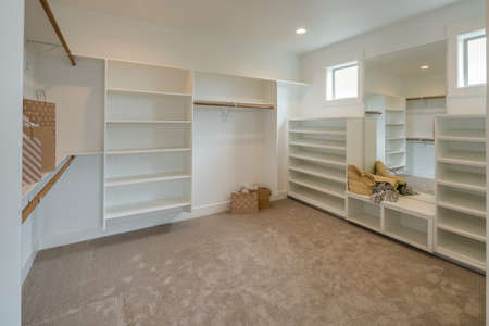 A big and shareable space for clothes.