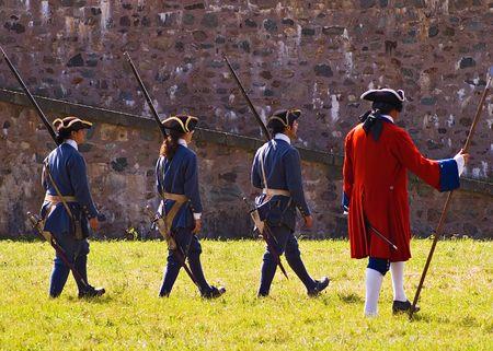Louisbourg soldats qui s'appr�tent � mener une bataille  Banque d'images