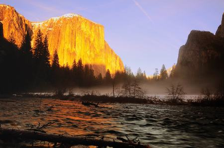 El Capitan at Merced River Yosemite National Park California usa 版權商用圖片