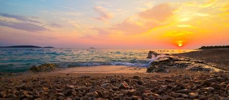 아름다운 자연 태양 설정 바다 풍경