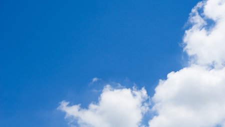 ??Blue sky and cloud background