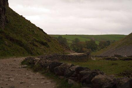 yorkshire dales: Scenics rural cerca de Gordale Malham Cicatriz en el Yorkshire Dales.
