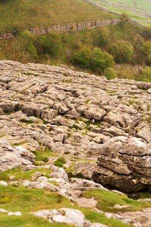 yorkshire dales: Paisajes rurales de Gordale cerca de Malham Cicatriz en el Yorkshire Dales. Foto de archivo