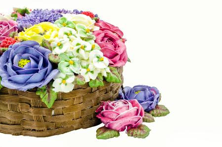 pastel de chocolate: Butter cream flower cake wedding cake on white background, Isolate image