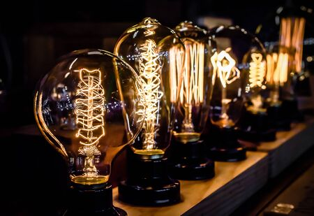 tungsten: Vintage tungsten light bulbs, Selective focus and close up image