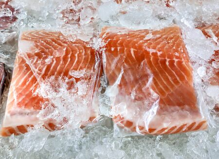 Fresh salmon in packing on ice sell in supermarket or seafood market. Stockfoto
