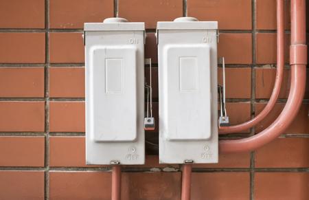 breaker: Electric breaker