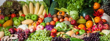 frutas tropicales: Frutas tropicales y hortalizas Foto de archivo