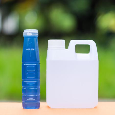 distilled water: Agua dulce