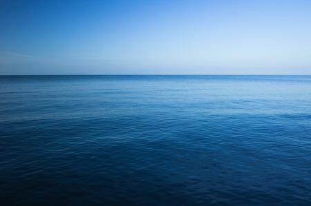 the sky clear: Mar azul