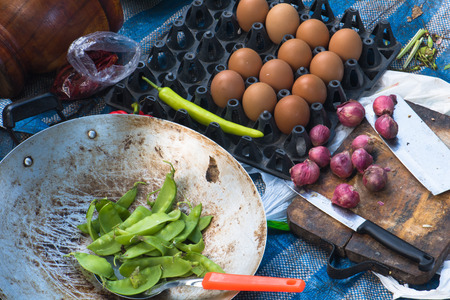 bean family: Raw Food for hiking