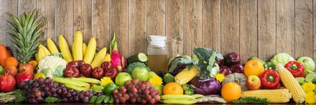 Frutta e verdura organiche Archivio Fotografico