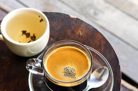 serve: Hot cafe with tea for serve
