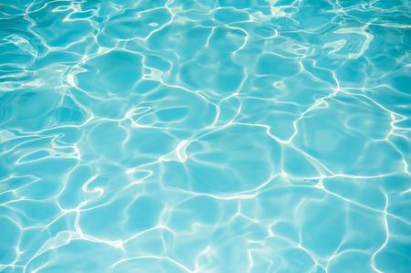 Surface de l'eau vive dans la piscine Banque d'images - 37831891