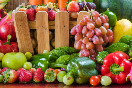 Fresh fruits and vegetables organics 免版税图像