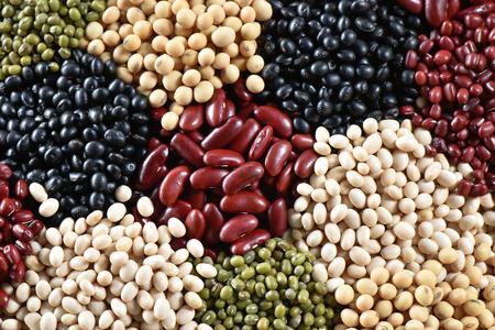 leguminosas: Vaus legumbres secas de colores para el fondo