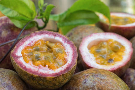 juicy: Slice passion fruit Juicy