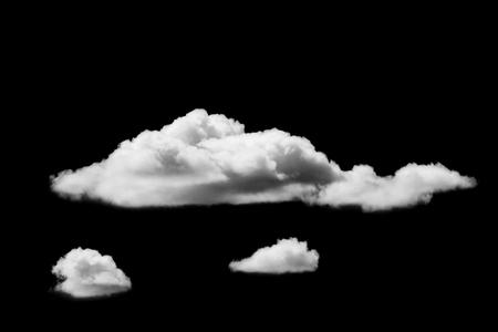 검은 배경에 고립 된 흰 구름